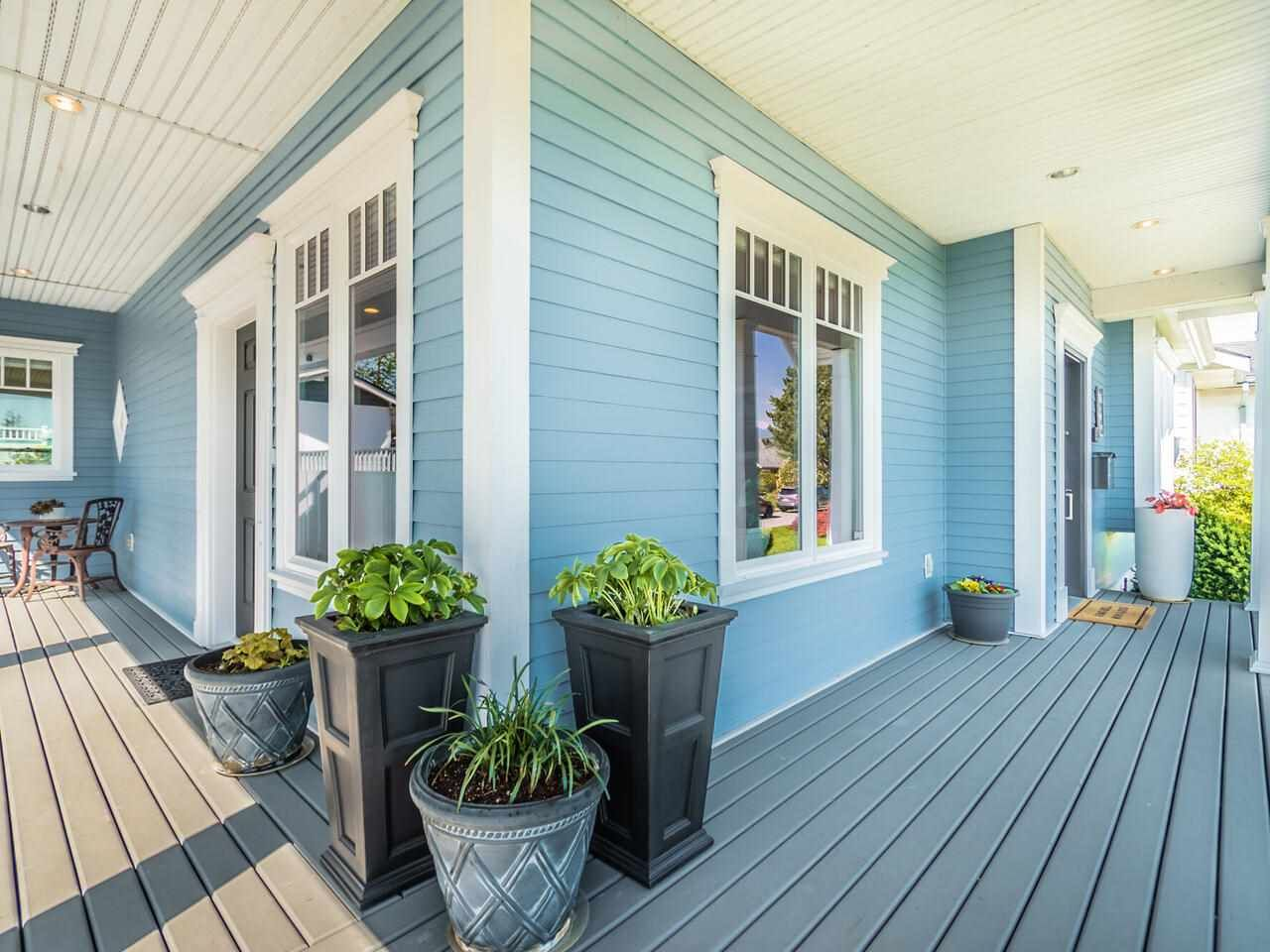 Photo 3: Photos: 905 LAUREL Street in New Westminster: The Heights NW House for sale : MLS®# R2570711