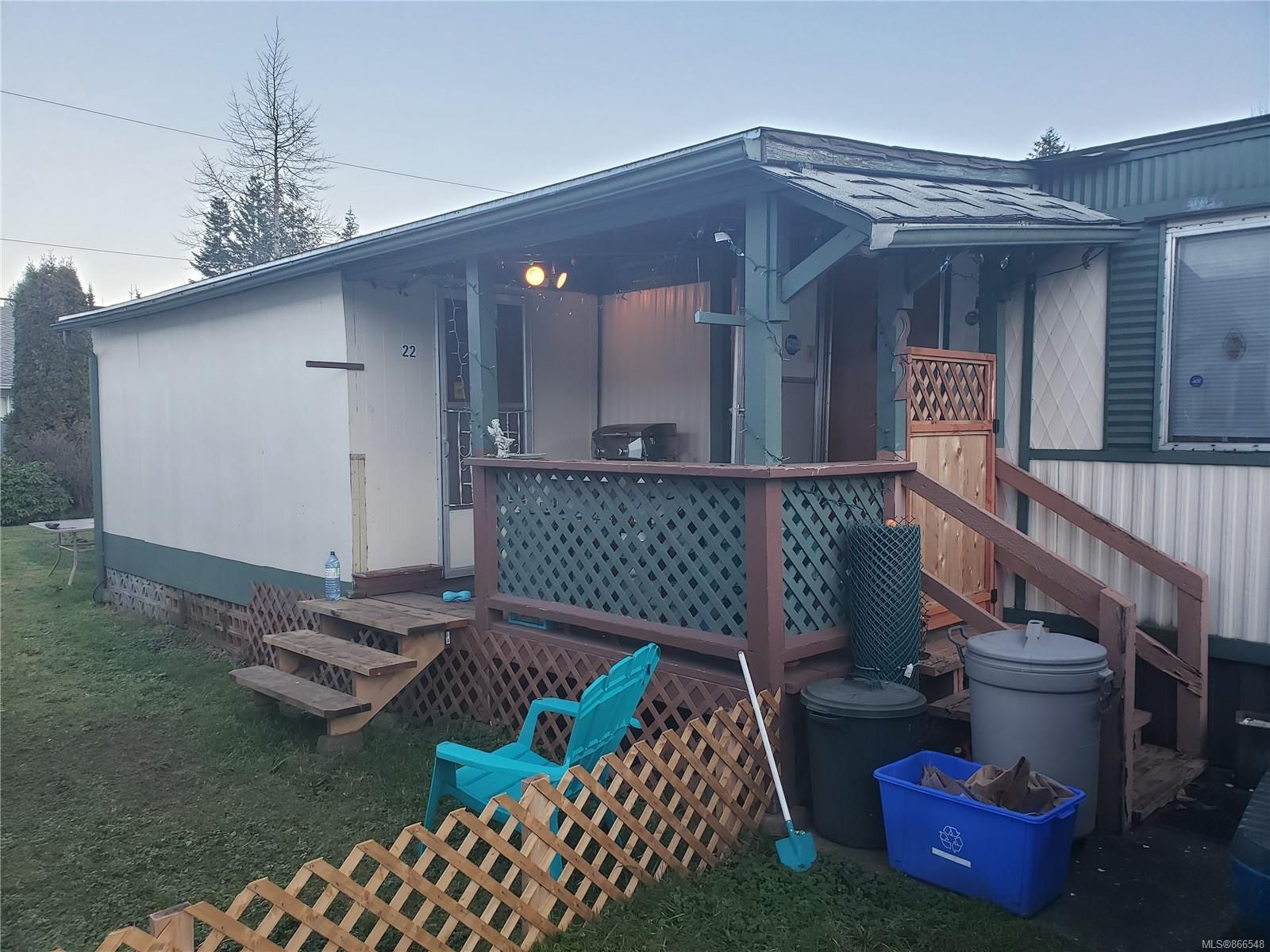 Main Photo: 22 1180 Edgett Rd in : CV Courtenay City Manufactured Home for sale (Comox Valley)  : MLS®# 866548