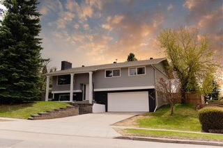 Main Photo: 8003 SILVER SPRINGS Road NW in Calgary: Silver Springs Detached for sale : MLS®# A1095590
