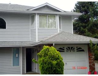 """Photo 2: 104 5921 177B Street in Surrey: Cloverdale BC Townhouse for sale in """"THE GABLES"""" (Cloverdale)  : MLS®# F2904968"""
