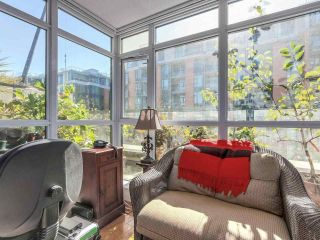 """Photo 12: 375 2080 W BROADWAY in Vancouver: Kitsilano Condo for sale in """"PINNACLE LIVING ON BROADWAY"""" (Vancouver West)  : MLS®# R2211453"""