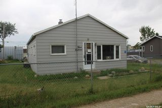 Photo 2: 318 Carbon Avenue in Bienfait: Residential for sale : MLS®# SK815091