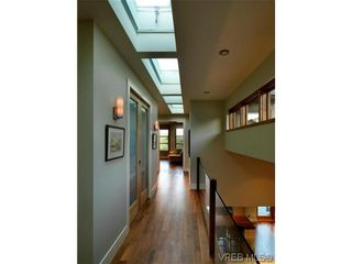 Photo 14: 915 Runnymede Pl in VICTORIA: OB South Oak Bay House for sale (Oak Bay)  : MLS®# 629571