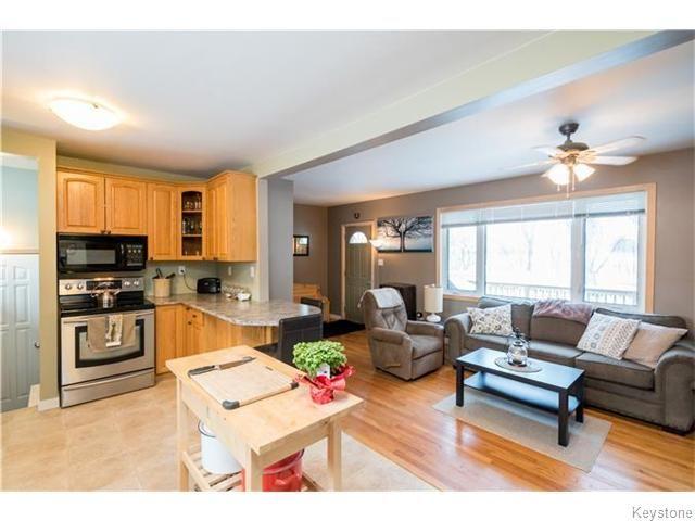 Photo 7: Photos: 8428 ROBLIN Boulevard in HEADINGLEY: Headingley South Residential for sale (South Winnipeg)  : MLS®# 1601053