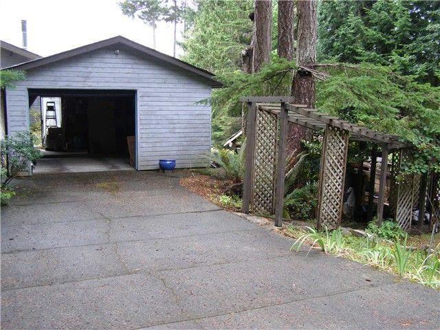 Photo 2: Photos: 512 ROCKMOYNE PL: Bowen Island House for sale : MLS®# V1024617