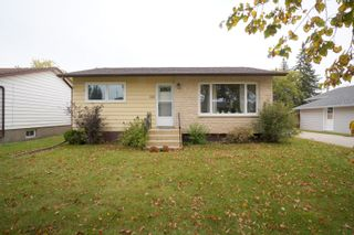 Photo 35: 681 Maplewood Crescent in Portage la Prairie: House for sale : MLS®# 202122121