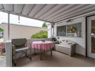 Photo 2: 68 9080 198 Street in Langley: Walnut Grove Manufactured Home for sale : MLS®# R2373113