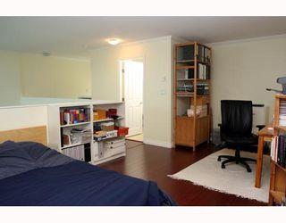 "Photo 7: 409 1428 56TH Street in Tsawwassen: Beach Grove Condo for sale in ""Bayview Villa"" : MLS®# V808954"