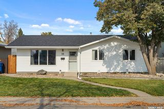 Main Photo: 14 Murphy Crescent in Regina: Normanview West Residential for sale : MLS®# SK873809