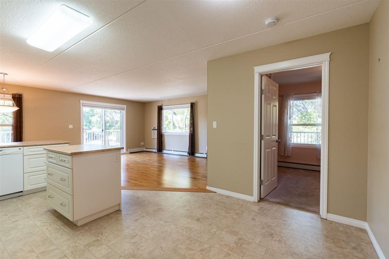 Photo 6: Photos: 208 4707 51 Avenue: Wetaskiwin Condo for sale : MLS®# E4232125