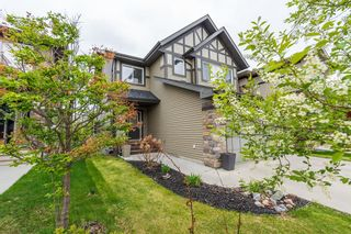 Photo 4: 1436 CHAHLEY Place in Edmonton: Zone 20 House for sale : MLS®# E4245265