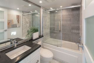 """Photo 10: 1206 1238 RICHARDS Street in Vancouver: Yaletown Condo for sale in """"METROPOLIS"""" (Vancouver West)  : MLS®# R2187337"""