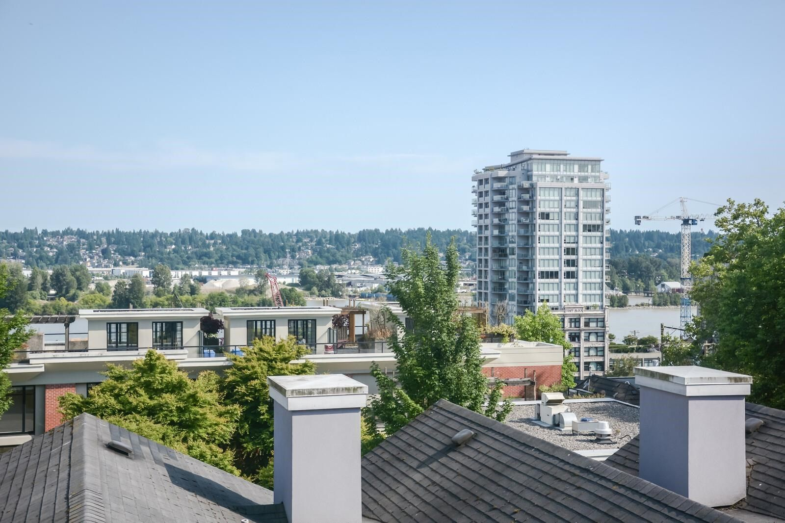 """Main Photo: 307 624 AGNES Street in New Westminster: Downtown NW Condo for sale in """"McKenzie Steps"""" : MLS®# R2601260"""