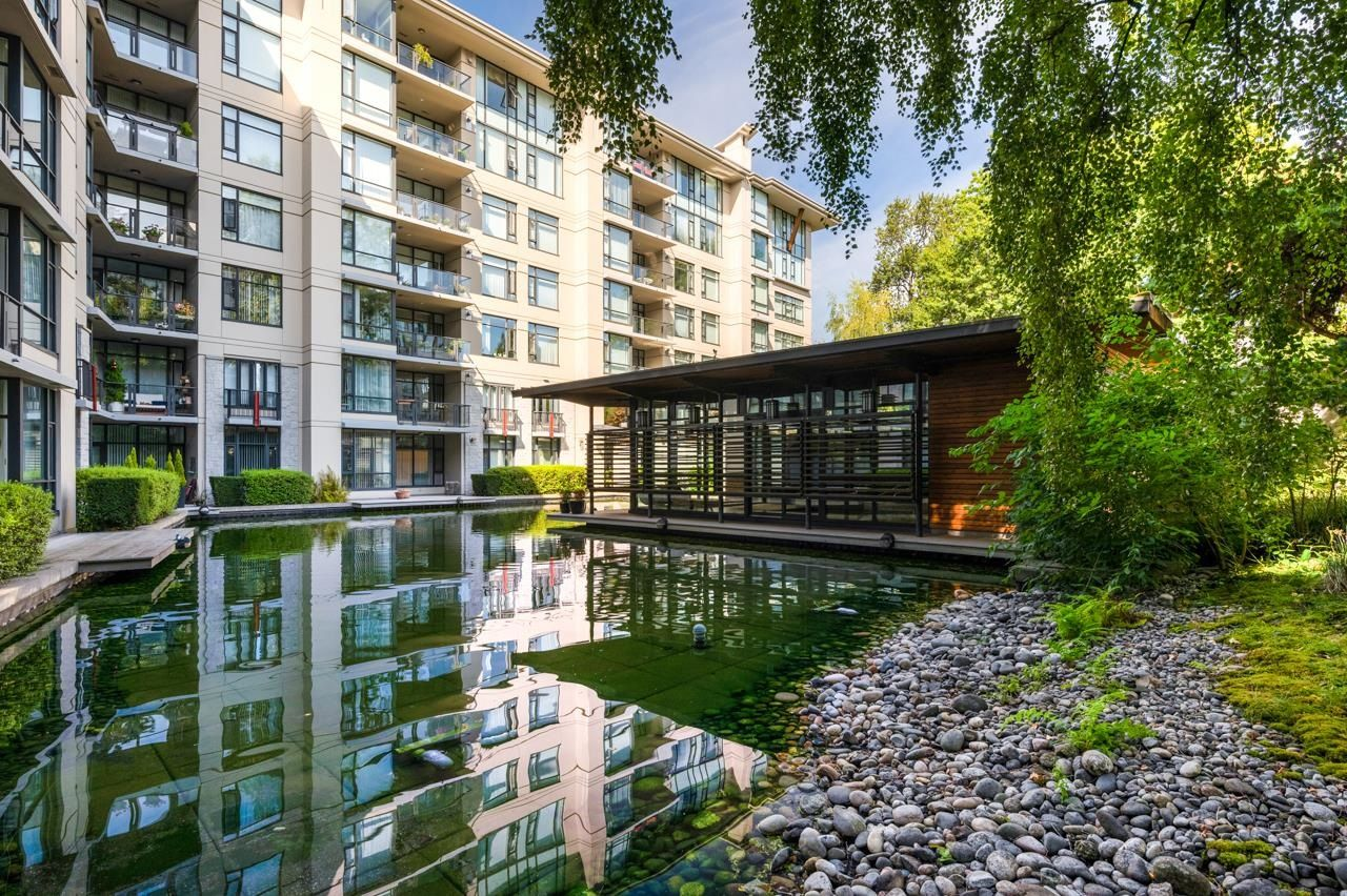 """Main Photo: 113 4685 VALLEY Drive in Vancouver: Quilchena Condo for sale in """"MARGUERITE HOUSE I"""" (Vancouver West)  : MLS®# R2617453"""