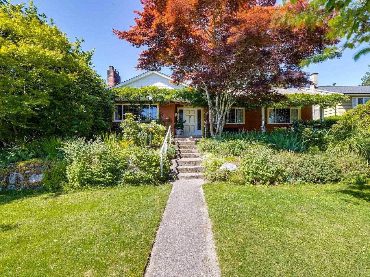Main Photo: 2031 W 30TH Avenue in Vancouver: Quilchena House for sale (Vancouver West)  : MLS®# R2596902