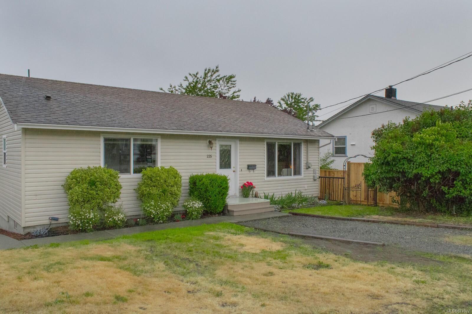Main Photo: 225 View St in : Na South Nanaimo House for sale (Nanaimo)  : MLS®# 874977