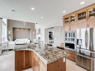 Photo 13: 70 Discovery Ridge Road SW in Calgary: Discovery Ridge Detached for sale : MLS®# A1112667