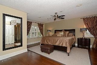 Photo 12: 34 Harpers Croft in Markham: Unionville House (2-Storey) for sale : MLS®# N2941849