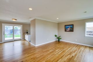 Photo 5: BAY PARK House for sale : 3 bedrooms : 3277 Mohican in San Diego