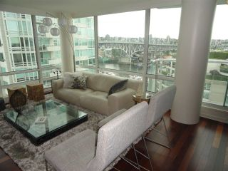 "Photo 1: 1306 1500 HORNBY Street in Vancouver: Yaletown Condo for sale in ""888 BEACH AVENUE"" (Vancouver West)  : MLS®# R2090203"