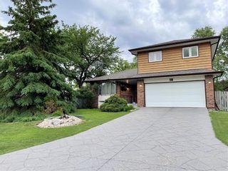 Photo 1: 54 BARNSTAPLE Cove in Winnipeg: Charleswood Residential for sale (1G)  : MLS®# 202114365
