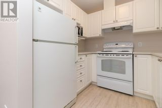 Photo 11: 322 2245 James White Blvd in Sidney: House for sale : MLS®# 877140