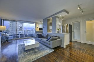 """Photo 2: 304 2370 W 2ND Avenue in Vancouver: Kitsilano Condo for sale in """"Century House"""" (Vancouver West)  : MLS®# R2540256"""