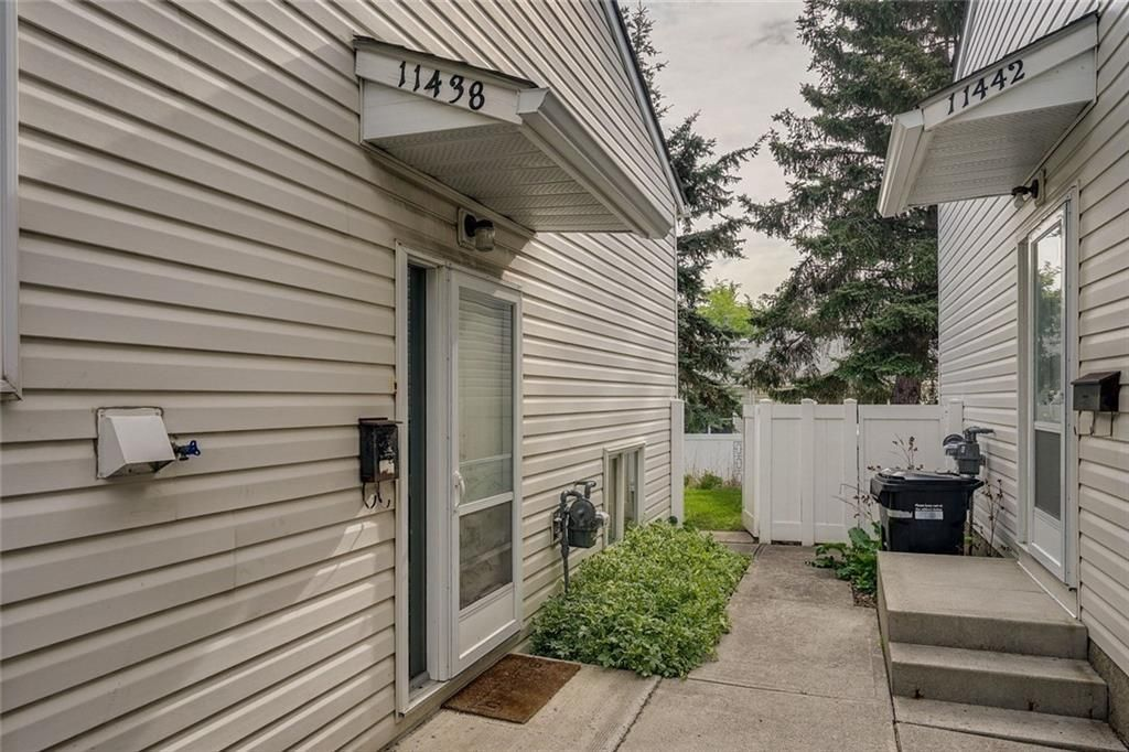 Main Photo: 11438 8 Street SW in Calgary: Southwood Row/Townhouse for sale : MLS®# A1085381