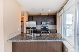 "Photo 6: 3208 892 CARNARVON Street in New Westminster: Downtown NW Condo for sale in ""Azure II"" : MLS®# R2533598"