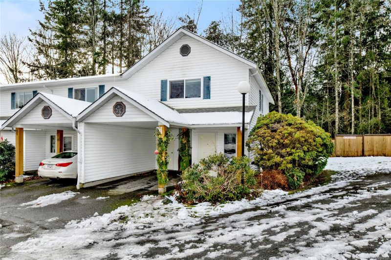 FEATURED LISTING: 9 - 711 Malone Rd
