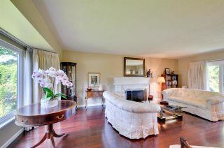 """Photo 3: 6396 CHARING Court in Burnaby: Buckingham Heights House for sale in """"BUCKINGHAM HEIGHTS"""" (Burnaby South)  : MLS®# R2183844"""