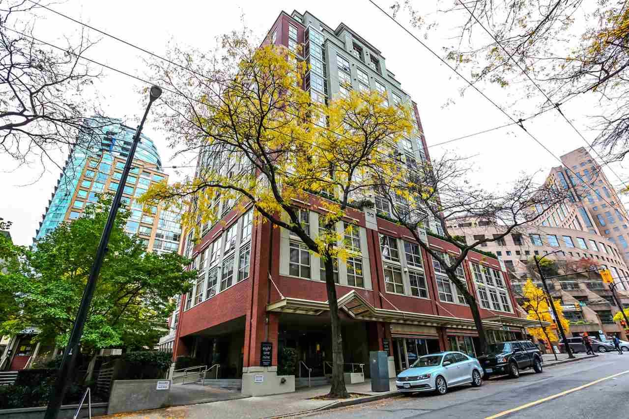 """Main Photo: 808 819 HAMILTON Street in Vancouver: Downtown VW Condo for sale in """"EIGHT ONE NINE"""" (Vancouver West)  : MLS®# R2118682"""