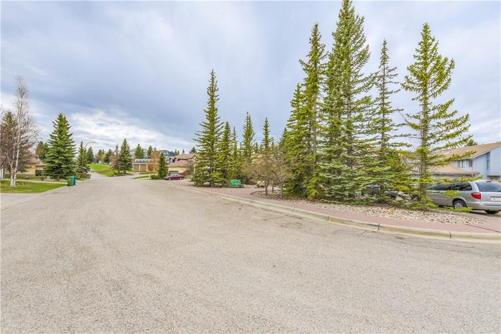 Photo 39: Photos: 2603 SIGNAL RIDGE View SW in Calgary: Signal Hill House for sale : MLS®# C4177922