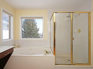 Photo 25: 114 SIGNATURE Close SW in Calgary: Signal Hill House for sale