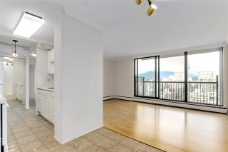 """Photo 14: 2002 1330 HARWOOD Street in Vancouver: West End VW Condo for sale in """"Westsea Towers"""" (Vancouver West)  : MLS®# R2573429"""