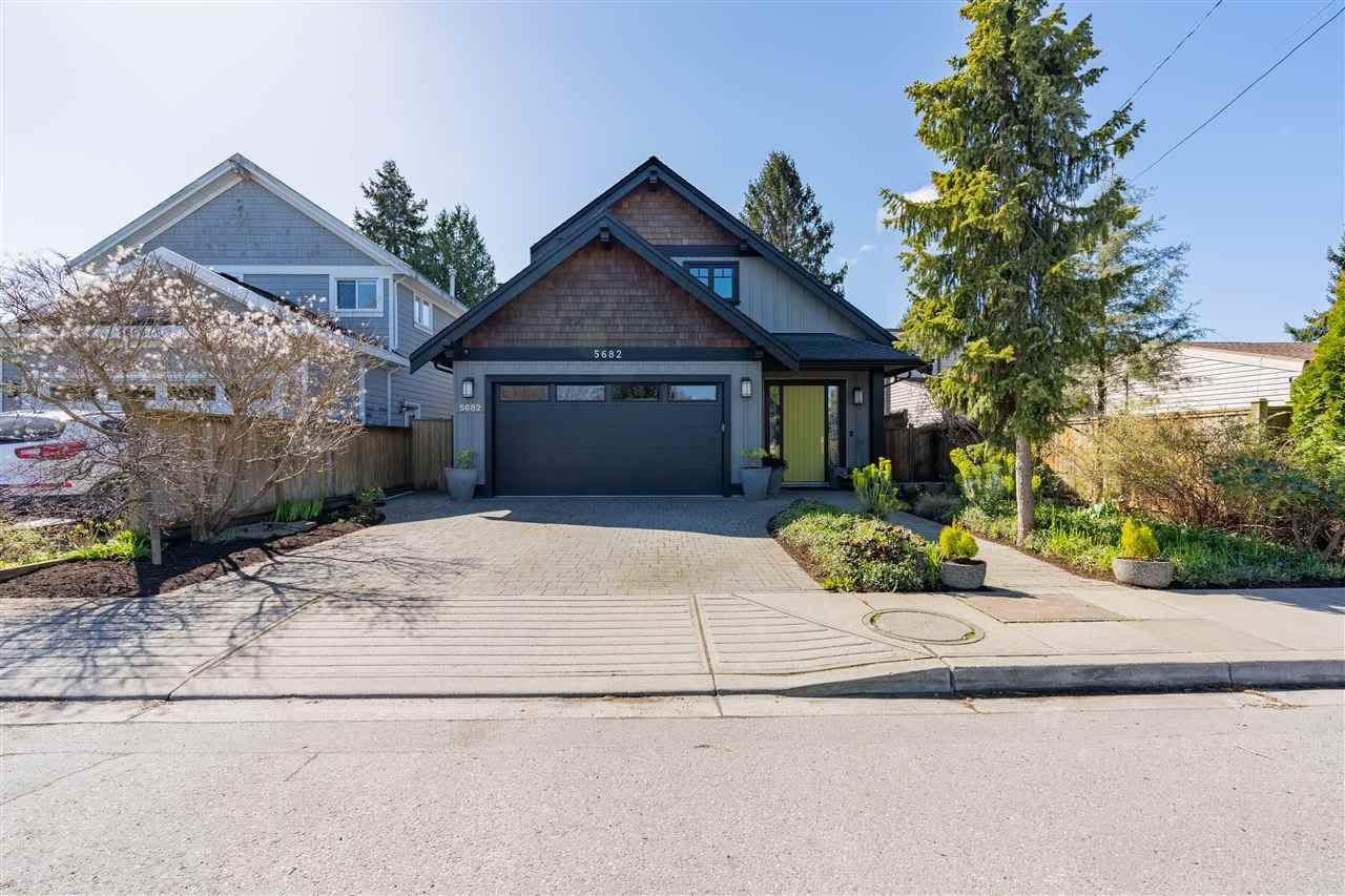 Main Photo: 5682 CRESCENT DRIVE in Delta: Hawthorne House for sale (Ladner)  : MLS®# R2568751