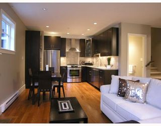 Photo 2: 2868 SPRUCE Street in Vancouver: Fairview VW Townhouse for sale (Vancouver West)  : MLS®# V694898