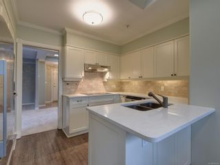 Photo 11: 334 4490 Chatterton Way in : SE Broadmead Condo for sale (Saanich East)  : MLS®# 874935