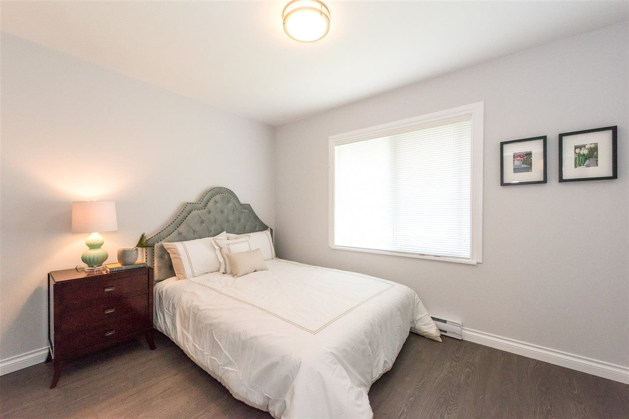 Photo 11: Photos: 5695 BROADWAY Street in Burnaby: Parkcrest House for sale (Burnaby North)  : MLS®# R2156672