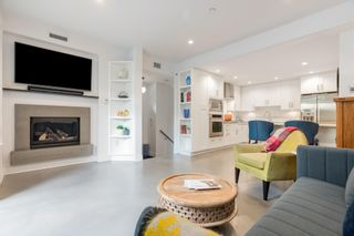 """Photo 4: 1 2437 W 1ST Avenue in Vancouver: Kitsilano Townhouse for sale in """"FIRST AVENUE MEWS"""" (Vancouver West)  : MLS®# R2603128"""
