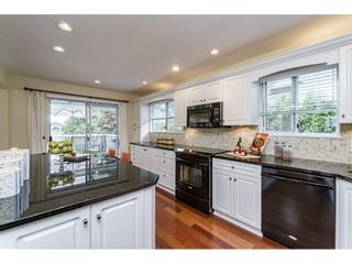 Photo 6: 14779 RUSSELL Avenue: White Rock House for sale (South Surrey White Rock)  : MLS®# R2171481