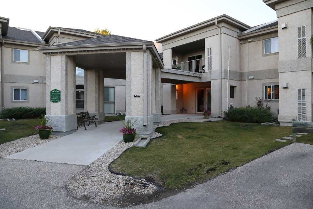 Photo 2: Photos: 227 500 Cathcart Street in WINNIPEG: Charleswood Condo Apartment for sale (South West)  : MLS®# 1322015
