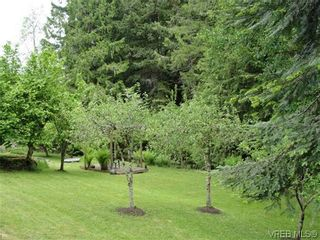 Photo 11: 100 Goward Rd in VICTORIA: SW Prospect Lake House for sale (Saanich West)  : MLS®# 608302