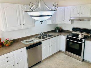 Photo 11: 15921 95 Avenue in Edmonton: Zone 22 House for sale : MLS®# E4259212