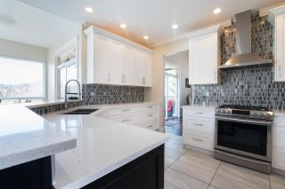 """Photo 3: 12 1705 PARKWAY Boulevard in Coquitlam: Westwood Plateau House for sale in """"TANGO"""" : MLS®# R2561480"""