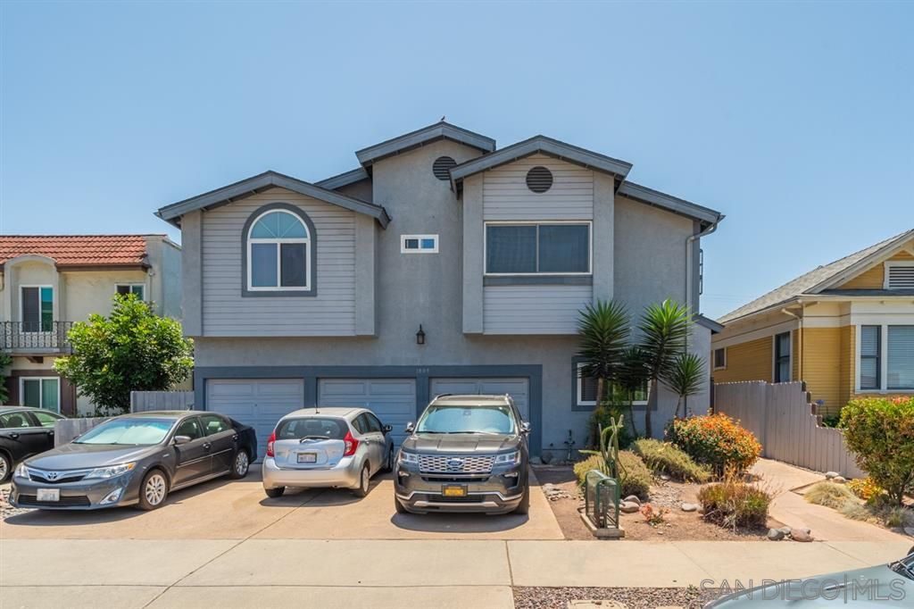 Main Photo: HILLCREST Condo for sale : 2 bedrooms : 1009 Essex St #6 in San Diego