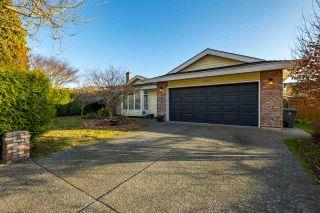 """Photo 2: 14122 20 Avenue in Surrey: Sunnyside Park Surrey House for sale in """"Sunnyside Park"""" (South Surrey White Rock)  : MLS®# R2563489"""