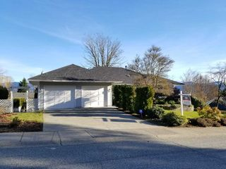 Photo 1: 2078 SANDSTONE Drive in Abbotsford: Abbotsford East House for sale : MLS®# R2231862