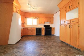Photo 3: 182 28th Street in Battleford: Residential for sale : MLS®# SK850044