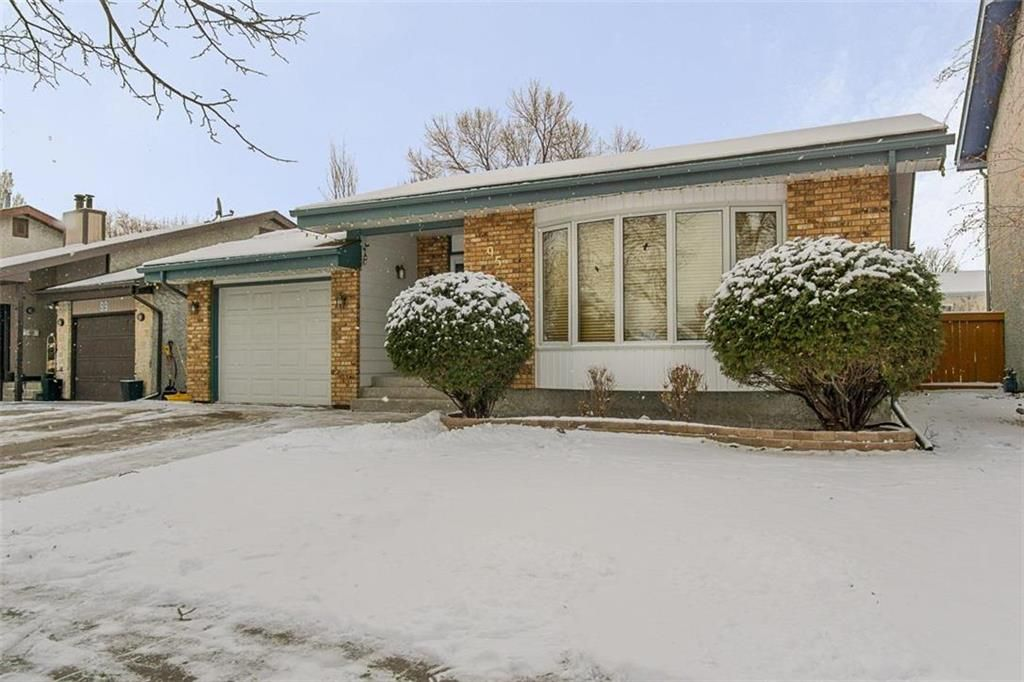 Main Photo: 95 Malmsbury Avenue in Winnipeg: River Park South Residential for sale (2F)  : MLS®# 202028338